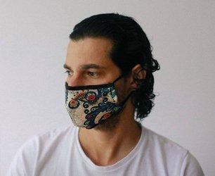 Modische Schutzmaske - Goldene Blätter